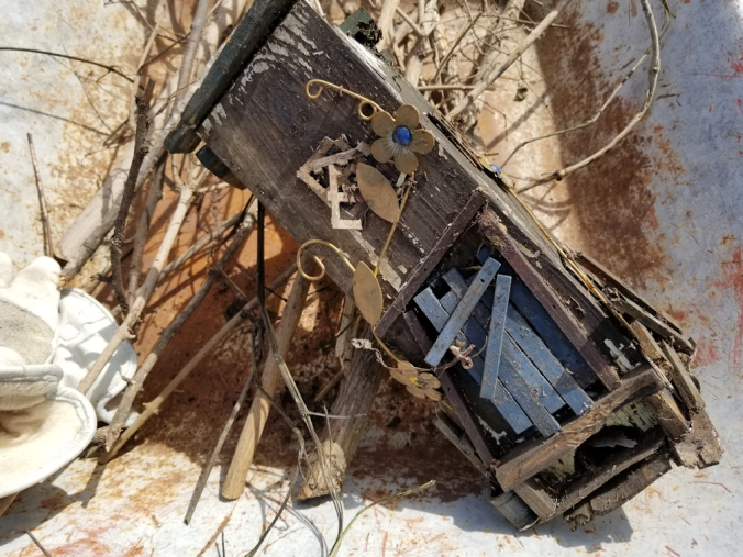20180511.broken.birdhouse