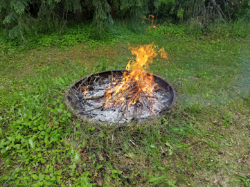 20180601firepit.area.fire