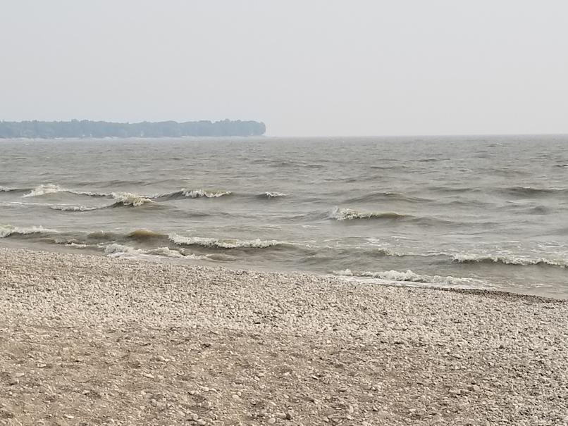 20180824.smoke.on.lake