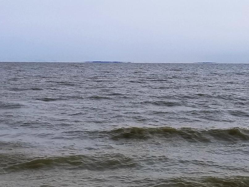 20180828.lake.opposite.shore